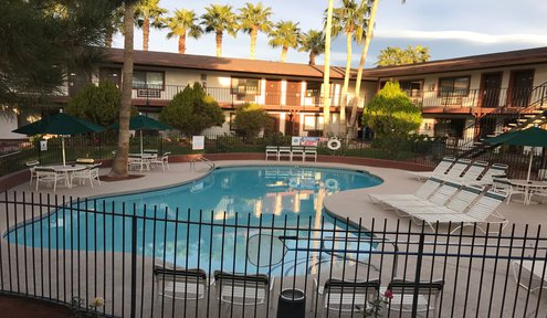4 Highly Rated Hotels in Pahrump
